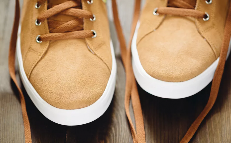 how to fix scuffed leather shoes